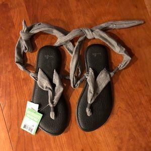 NWT Sanuk gray Yoga Slinged Up Sandals